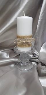 Ručne zdobená sviečka s jutou a čipkou