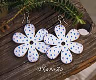 Bloom White // blue