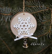 Dekorácie - Snehové vločky na dreve - 10347363_