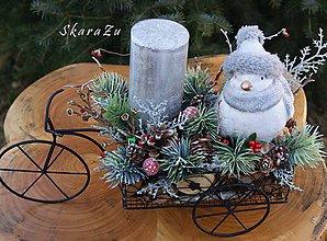 Dekorácie - Zimná dekorácia na kolesách - 10347618_