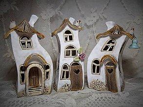 Dekorácie - keramika tancujúci domček... - 10344972_