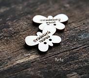 Pierka - Gombíčky v tvare motýlika na svadobné pierka väčšie - 10350704_