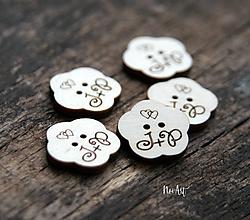 Pierka - Gombíčky v tvare kvietku na svadobné pierka - 10349594_