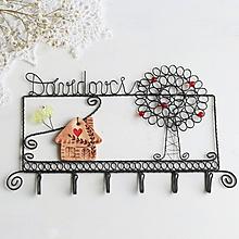 Nábytok - vešiak domček a strom (s priezviskom 6háčikov) - 10355180_