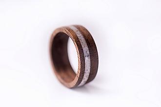 Prstene - Drevený prsteň - orech  + kremeň - 10351602_
