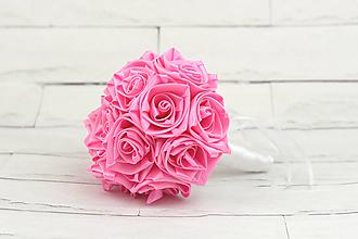 Kytice pre nevestu - Saténová kytica svadobná ružová sýta ruže - 10352485_