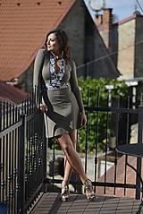 Krátke šaty na zips hnedé