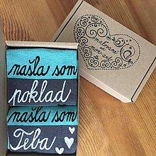 """Obuv - Maľované pásikavé ponožky s nápisom: """"našla(/našiel) som poklad /našla(/našiel) som teba"""" - 10355138_"""