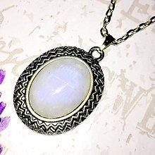 Náhrdelníky - Moonstone & Antique Silver Necklace / Náhrdelník s mesačným kameňom v starostriebornom prevedení #1483 - 10355788_