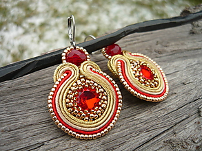 Náušnice - Soutache náušnice Gold & Red - 10359030_