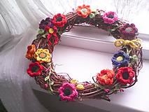 Veniec na dvere ... kvety všetkých farieb ...