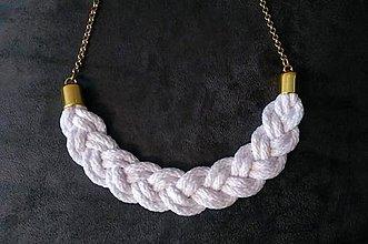 Náhrdelníky - Zapletaný náhrdelník biely - 10356706_