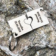 Kľúčenky - Valentínsky darček - kľúčenka 2 puzzle so srdiečkom - 10356699_