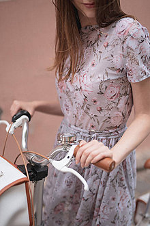 Šaty - Sieťkové šaty s potlačou ruží ROSE COLLECTION - 10358679_