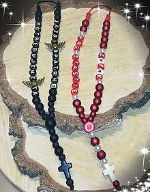 Iné šperky - Prívesok alebo amulet do auta  na želanie s textom menom alebo dátumom aj farebne podla vašeho priania - 10361759_
