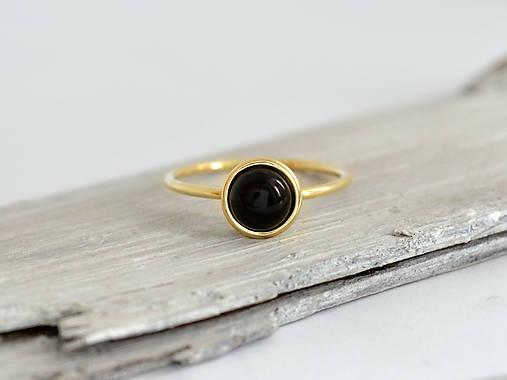 14k zlatý prsteň s prírodným čierným onyxom Noc