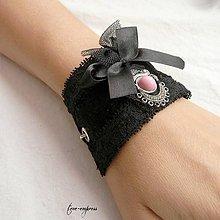 Náramky - Náramok s ružovým očkom - 10362150_