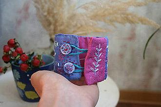 Náramky - Vyšívaný náramok MODRÝ - 10361725_