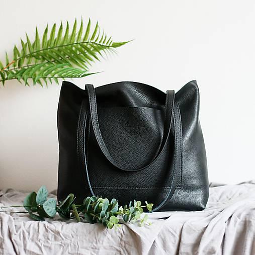 Nina (kožená taška čierna) (Kabelka so zipsom)