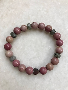 Náramky - Dámsky ružový náramok z minerálov rodonit, labradorit a hematitovým srdiečkom - 10362014_