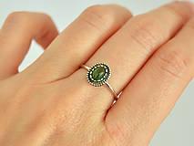 Prstene - 925 Strieborný prsteň s prírodným diopsidem - 10365062_