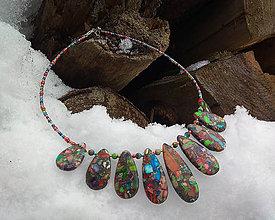 Náhrdelníky - Pestrofarebný obručový náhrdelník - 10364424_