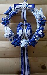 Dekorácie - Pravý slovenský čičmanský folk ľudový veniec na dvere Zaľúbené holubice (Modrý s modrými holúbkami) - 10365295_