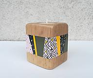 Svietidlá a sviečky - Drevený svietnik SAJTH - ručne maľovaný - 10364771_