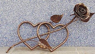 Dekorácie - Kované srdcia s ružou - 10362766_