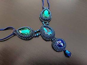 Náhrdelníky - elegantný šitý náhrdelníky na ples - 10363506_