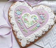 Dekorácie - Medovníkové srdce plné kvetov 23 cm - 10367325_
