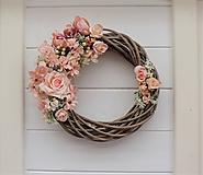 Dekorácie - Jarný veniec na dvere - 10368202_