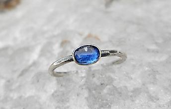 Prstene - Strieborný Prsteň s Kyanitom - 10367537_