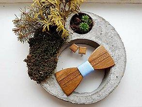 Doplnky - Gravírovaný drevený motýlik - 10368037_