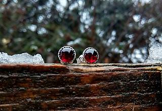 Náušnice - Strieborné náušnice Ag925 s prírodným granátom - 10368694_