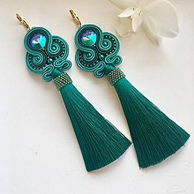 Náušnice - Ručne šité šujtašové náušnice so Swarovski®️crystals / Soutache earrings - Swarovski (Diana - light emerald/extra emerald/paradise sunshine) - 10368155_
