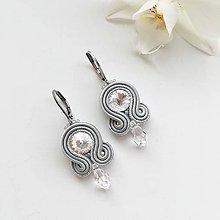 Náušnice - Ručne šité šujtášové náušnice / Soutache earrings - Swarovski®️crystals (Sonja - šedá/strieborná - mini) - 10368174_