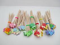Dekorácie - Zapichovacie paličky do muffinkov LISTY - 24 kusov - 10368899_