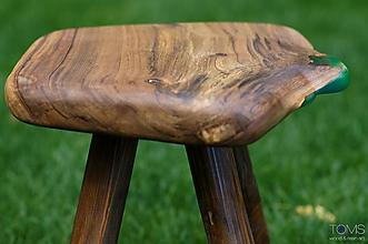 Nábytok - Taburetka z orechového dreva a živice - 10369662_