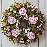 Dekorácie - Veniec na dvere ... ružový kríček ... - 10370815_