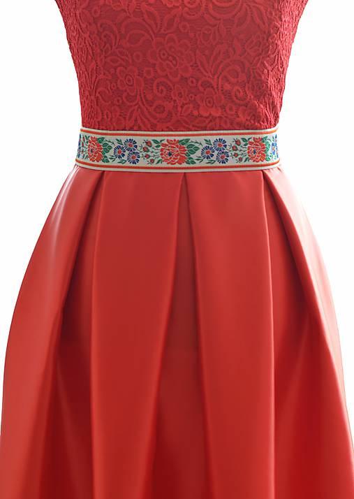 Dlhé spoločenské šaty s folklórnym pásom   Lussika - SAShE.sk ... c1db4b94009