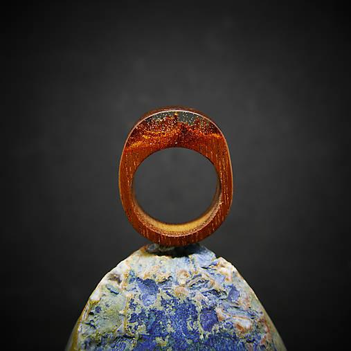 Drevený prsteň: Horský prameň