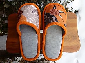 Obuv - Oranžové kvetové papuče - 10374014_