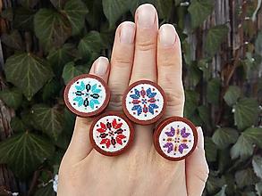 """Prstene - Drevený prsteň s výšivkou """"Folk"""" - 10373732_"""