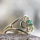 Prstene - Vlastný projekt snubáčika so smaragdom - 10378323_