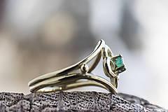 Prstene - Vlastný projekt snubáčika so smaragdom - 10378324_
