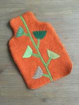 Úžitkový textil - Termofor v oranžovom -originálna ozdobná ohrievacia fľaša - 10375003_