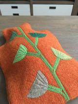 Úžitkový textil - Termofor v oranžovom -originálna ozdobná ohrievacia fľaša - 10375005_