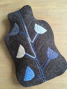 Úžitkový textil - Termofor v modrom-originálna ozdobná ohrievacia fľaša - 10374980_