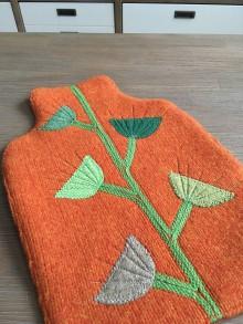 Úžitkový textil - Termofor v oranžovom -originálna ozdobná ohrievacia fľaša - 10375001_
